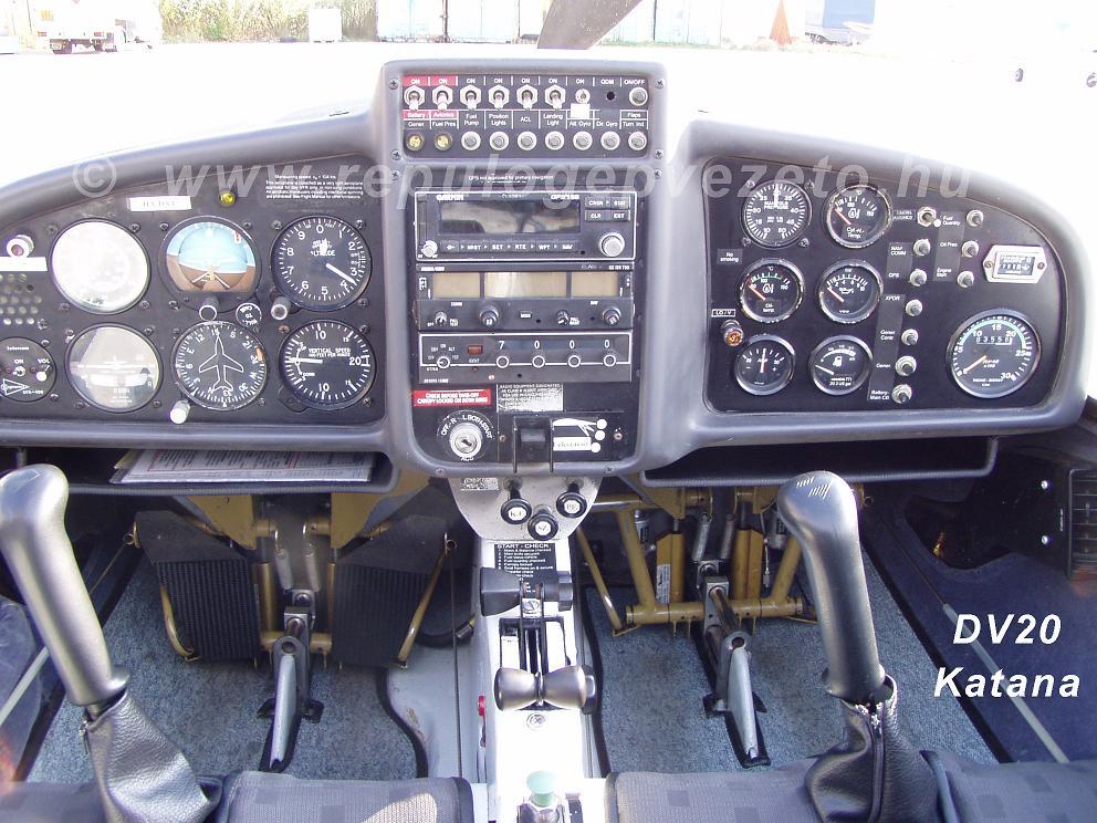 dv20 katana műszerfal / cockpit