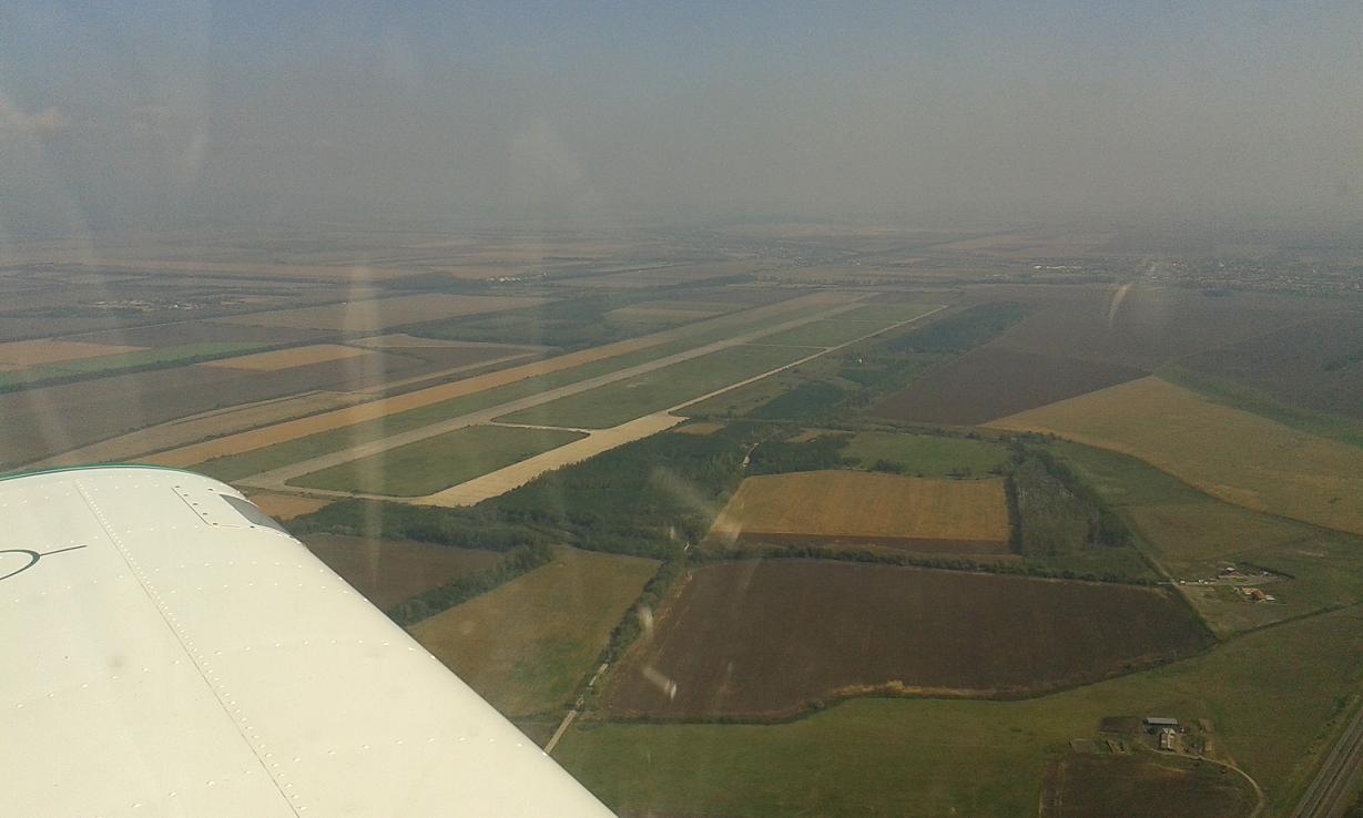 Mezőkövesdi elfeledett katonai repülőtér - klementina sétarepülés alacsony áthúzás